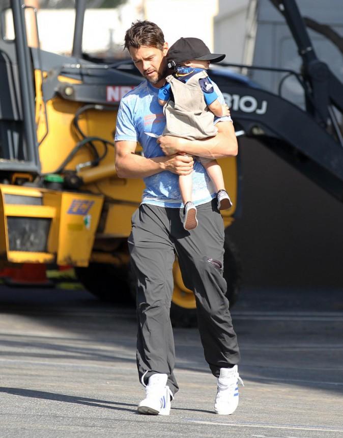 Photos : Josh Duhamel : Axl en mode casquette XXL, son papa toujours aussi gaga !