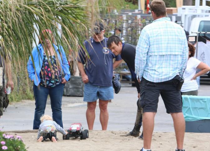 Photos : Josh Duhamel : break en plein tournage pour chouchouter Axl !
