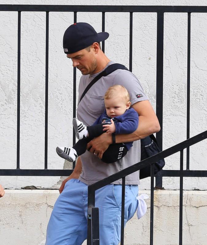 Photos : Josh Duhamel : déjeuner entre mecs avec son Axl Jack pendant que Fergie s'éclate à Coachella !