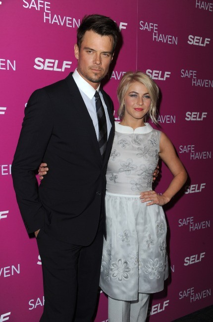 Julianne Hough et Josh Duhamel le 11 février 2013 à New York