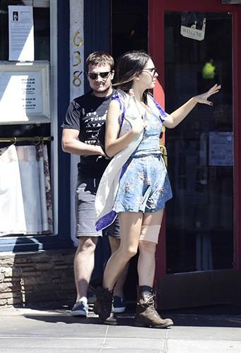 Josh Hutcherson et Claudia Traisac à Los Angeles le 25 août 2014