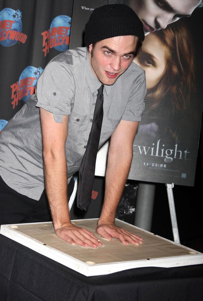 Photos : Robert Pattinson en 2008 à Planet Hollywood