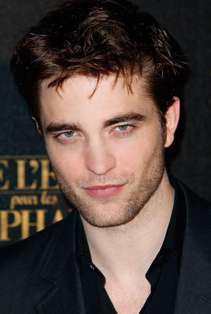 Photos : Robert Pattinson en 2011 à la première de De l'eau pour les éléphants, à Paris