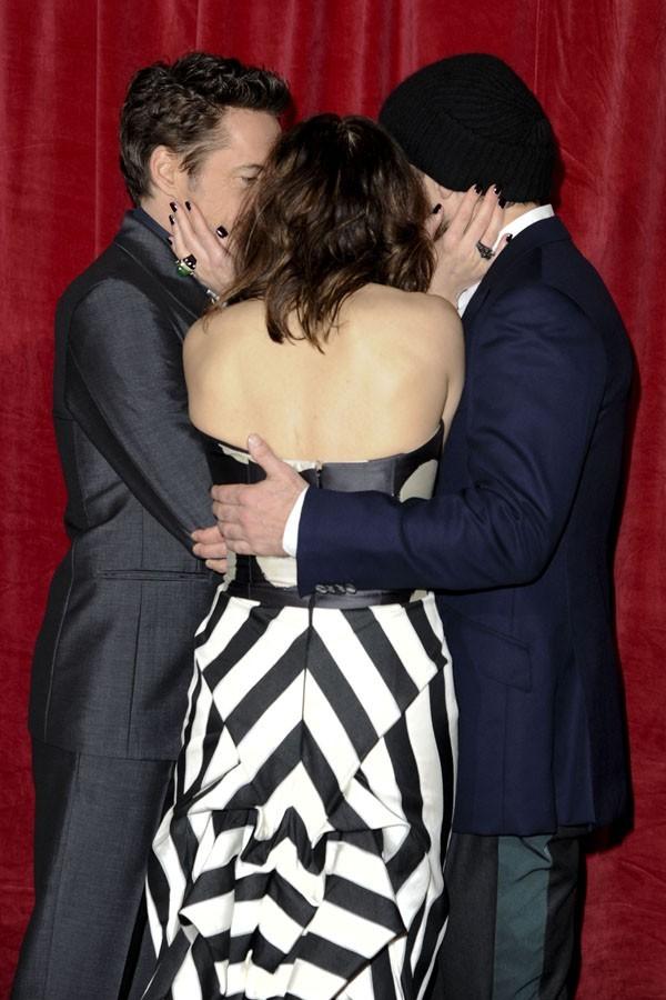 Un baiser à trois ?