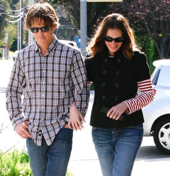 Julia Roberts et Danny Moder le 16 février 2013 à Los Angeles