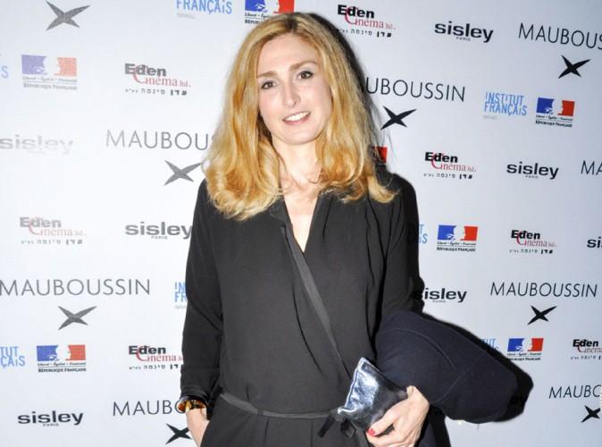 Julie Gayet : à Tel Aviv, elle va tourner un nouveau film avec Vincent Elbaz !
