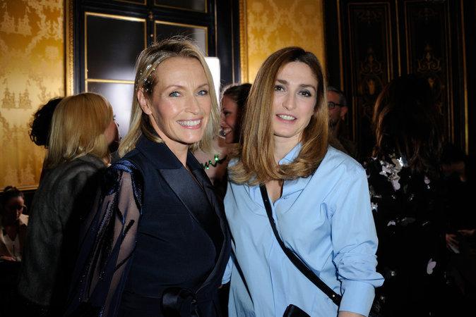 Photos : Julie Gayet : heureuse et radieuse au défilé Alexis Mabille !