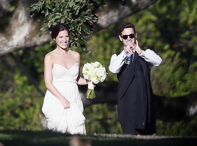 Justin Bartha et Lia Smith à Hawaii le 4 janvier 2014