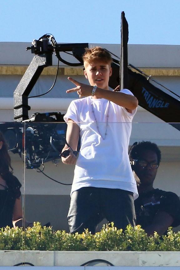 Justin Bieber sur le tournage d'un clip pour X Factor le 27 août 2012 à Los Angeles