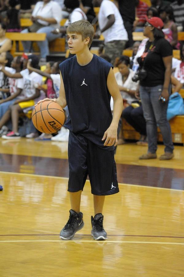 Justin, champion sur scène et sur les terrains de basket !