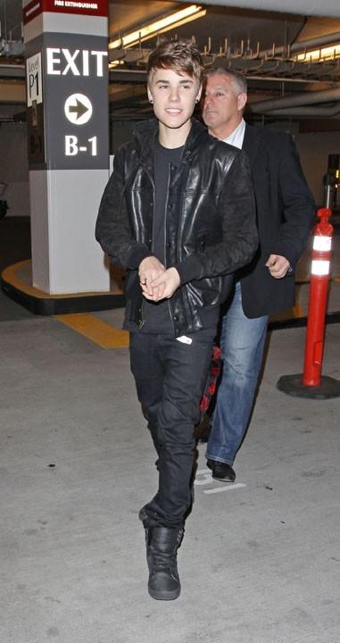 Justin Bieber de sortie à Beverly Hills hier soir !
