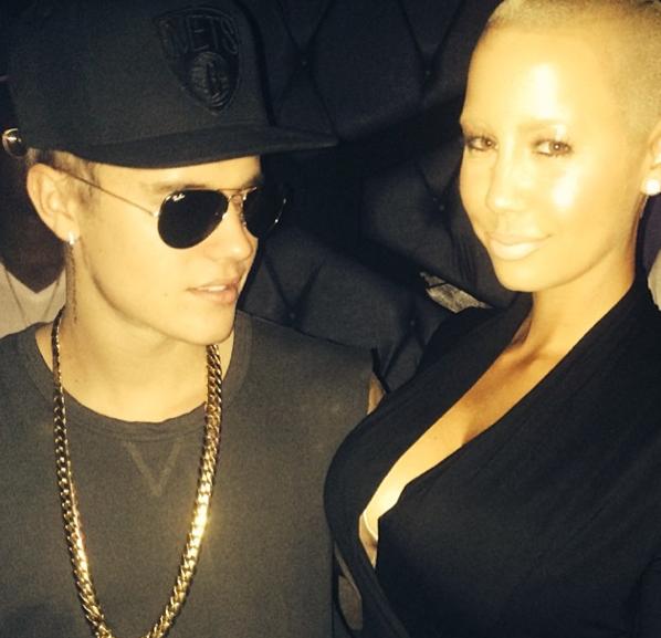 Photos : Justin Bieber : obnubilé par le décolleté d'Amber Rose, il passe du bon temps avec l'épouse de Wiz Khalifa !