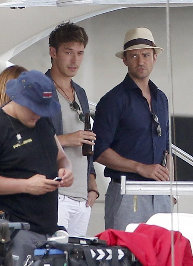 Sam Palladio et Justin Timberlake sur le tournage de Runner Runner à Porto Rico, le 26 juin 2012.