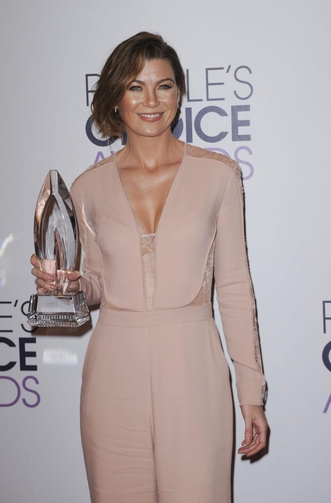 Photos : Kaley Cuoco, Ellen Pompeo, Chloe Moretz... Toutes sublimes et sacrées aux People's Choice Awards 2015 !