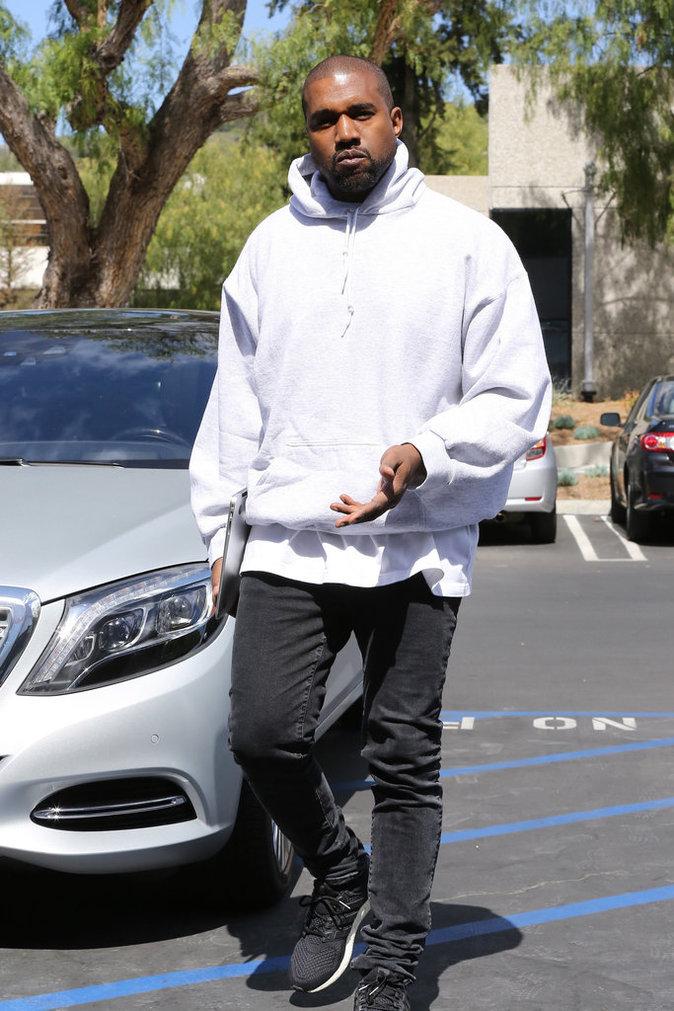 Photos : Kanye West s'offre les services du manager de Justin Bieber !