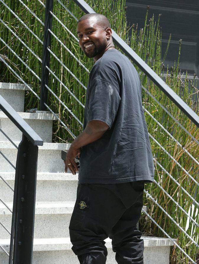 Photos : Kanye West : un vrai papa poule !