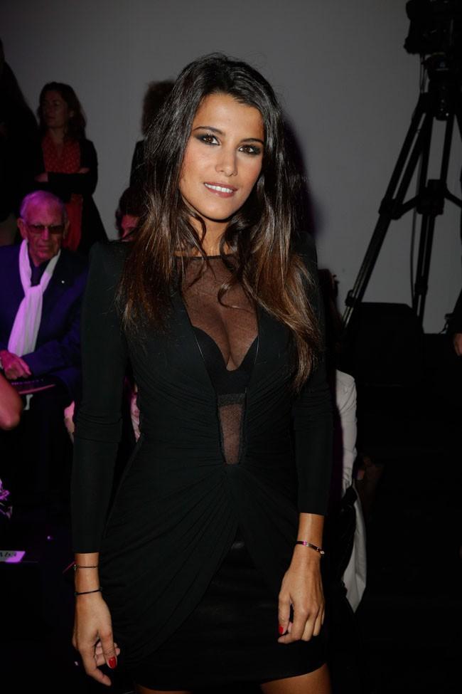 Karine Ferri au défilé Leonard organisé au Grand Palais de Paris le 30 septembre 2013