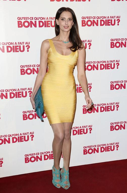 """Frédérique Bel à l'avant-première de """"Qu'est ce qu'on a fait au bon Dieu ?"""", à Paris, le 10 avril 2014"""