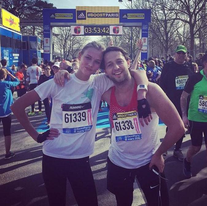 Karlie Kloss au semi-marathon de Paris le 8 mars 2015