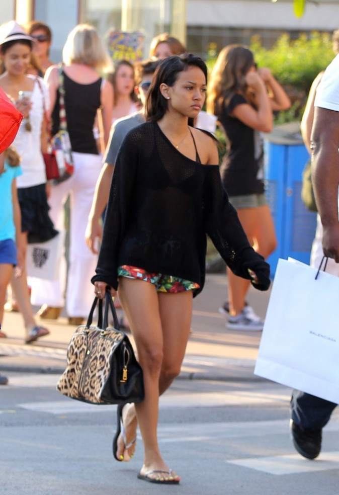 Karruche Tran, la chérie de Chris Brown, Cannes, 24 juillet 2012