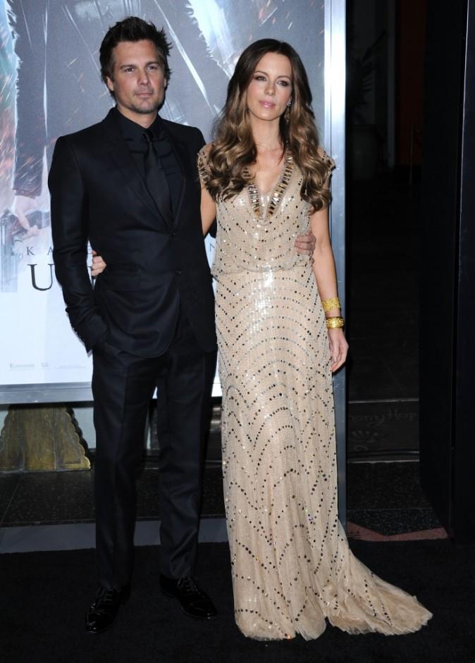 Kate Beckinsale et son mari Len Wiseman lors de la première du film Underworld 4 à Hollywood, le 19 janvier 2012.