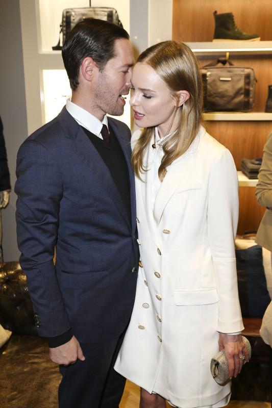 Kate Bosworth et Michael Polish lors de l'inauguration de la nouvelle boutique Tommy Hilfiger à Dusseldorf, le 26 septembre 2013.