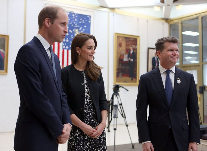 William et Kate de Cambridge : leur hommage aux victimes de l'attentat d'Orlando, à l'ambassade des Etats-Unis de Londres
