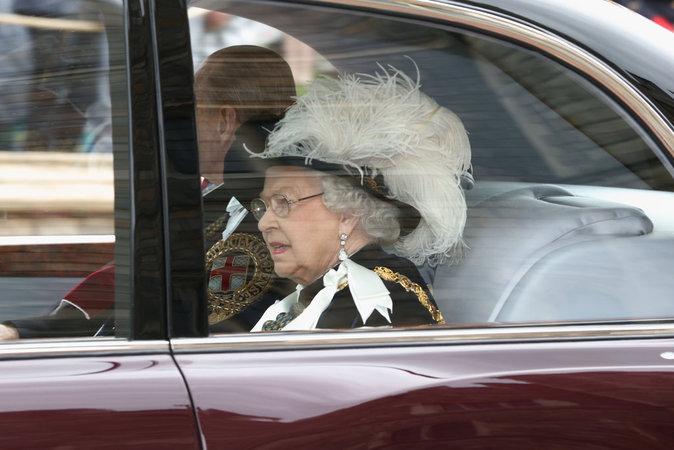Elizabeth II à l'office annuel donné pour l'Ordre de la Jarretière