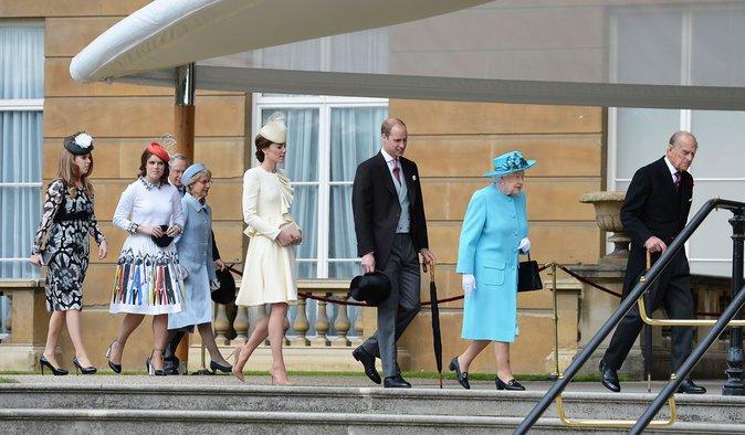 Photos : Kate et William de Cambridge la jouent rétro à Buckingham !