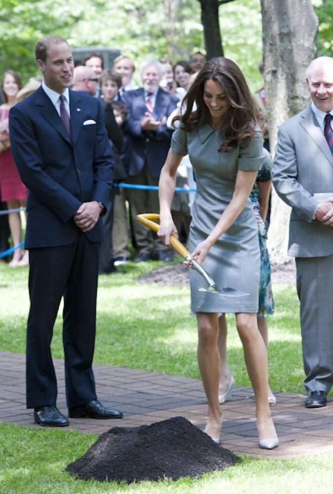 Le 2 juillet 2011 : Kate et William plantent un arbre à Rideau hall au Canada