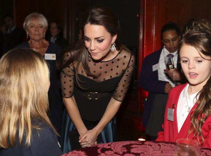 Kate Middleton : apparition réussie dans un top plumeti qui séduit !