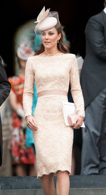 Kate Middleton quittant la cathédrale St Paul à Londres, le 5 juin 2012.