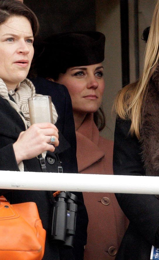 Kate Middleton avec le Prince William au Festival de Cheltenham le 15 mars 2013