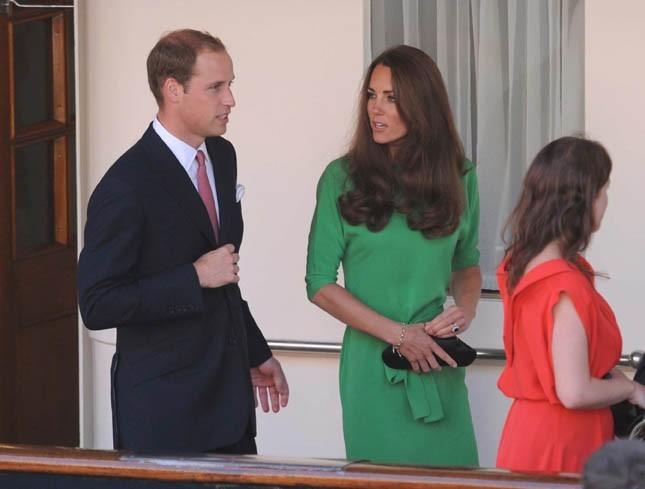 La reine Elizabeth aussi recycle ses tenues !
