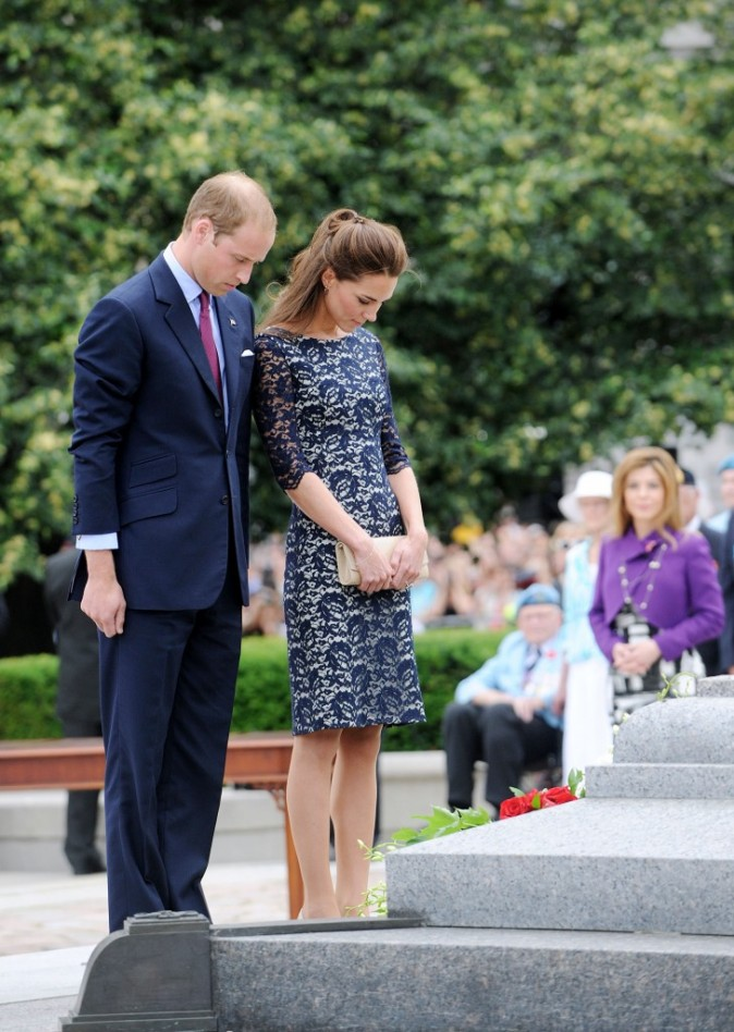 Kate Middleton et le prince William au Mémorial National de la guerre à Ottawa, le 30 juin 2011.