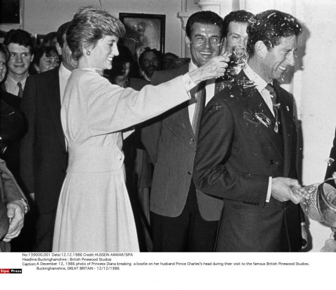 La princesse Diana et le Prince Charles au studio Pinewood de Londres, le 12 décembre 1986