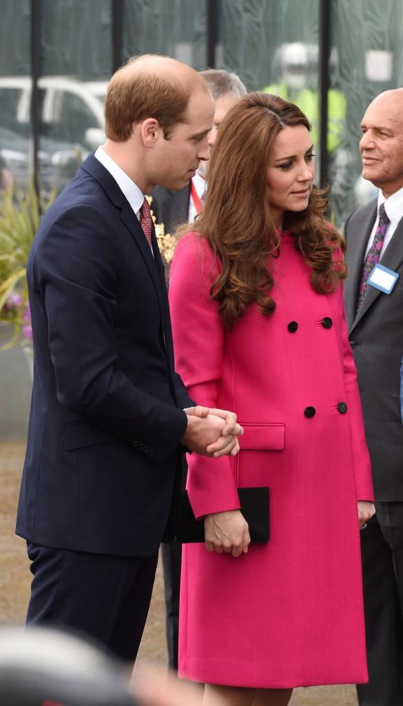 Photos : Kate Middleton : et si son look donnait un indice sur le sexe du bébé ?