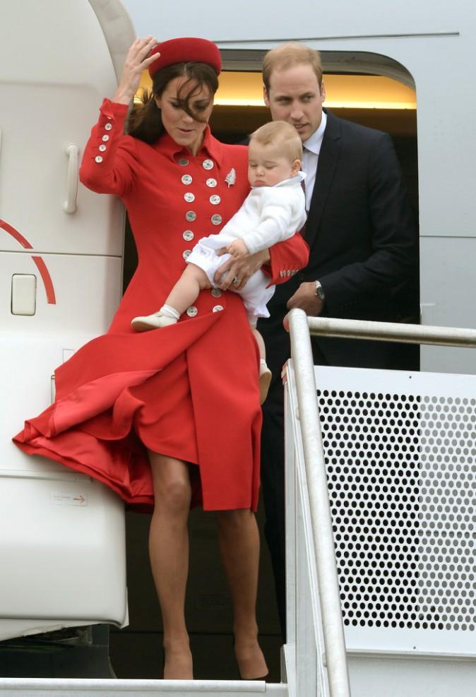 Kate Middleton, accueillie par une vague de rafales à l'aéroport !