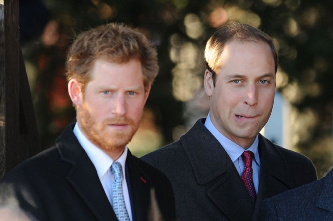 Prince Harry et Prince William à la messe de Noël célébrée en l'église St Mary Magdalene le 25 décembre 2013