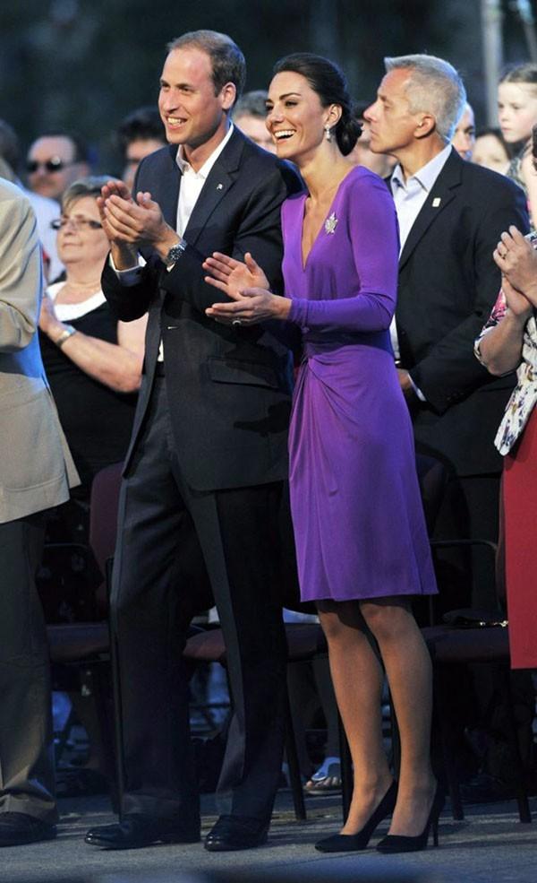 "Kate Middleton et sa robe ""purple"""