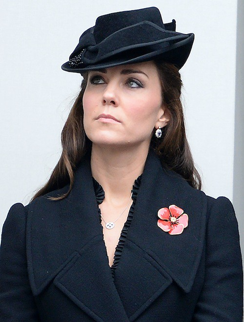 Photos : Kate Middleton : regard dur et grise mine pour un hommage poignant !