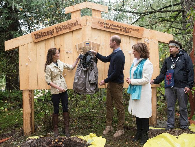 Photos : Kate Middleton ressort ses bottes du grenier