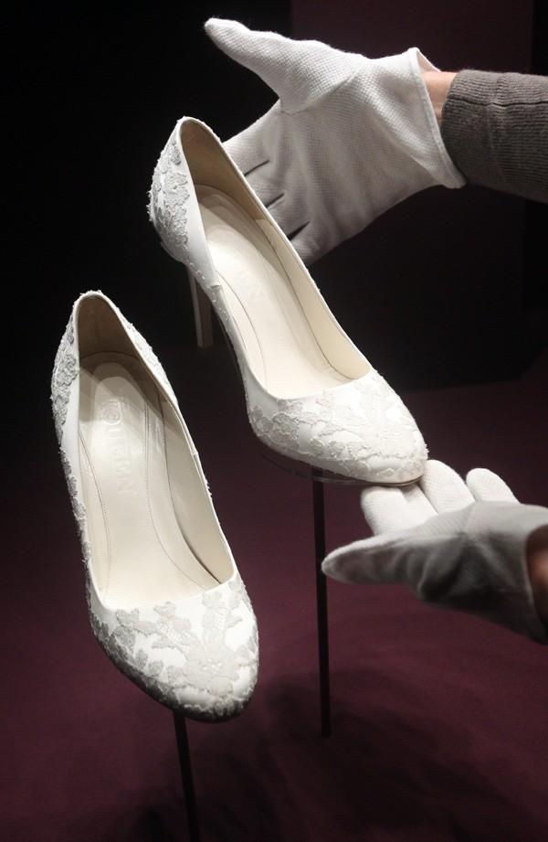 Les chaussures dans lesquelles elle a glissé ses pieds le 29 avril ...