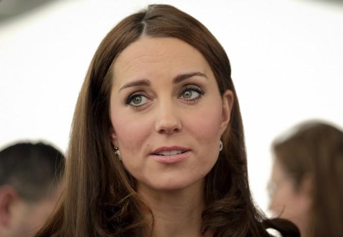 Photos : Kate Middleton : souriante et ravissante, elle prend les commandes !