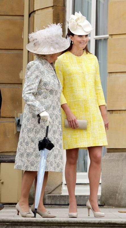 Camilla Parker bowles et Kate Middleton lors de la garden-party de la reine à Londres, le 22 mai 2013.