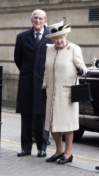 Le prince Philip et la reine Elizabeth II lors des 150 ans du métro londonien, le 20 mars 2013.
