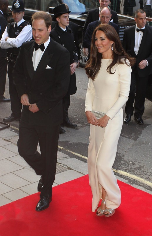 Le prince William et Kate Middleton se rendant au Claridge Hotel à Londres, le 8 mai 2012.