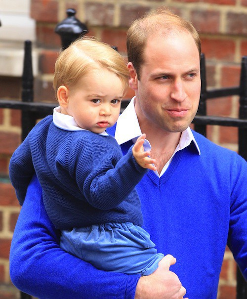 Le prince William arrive à St Mary avec George le 2 mai 2015