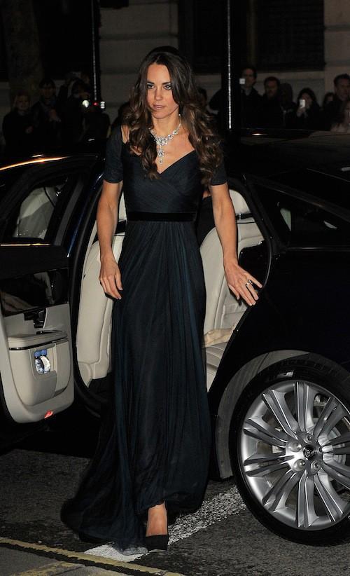 Photos : Kate Middleton : une vraie princesse étincelante avec son collier inestimable !
