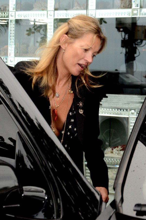 Kate Moss à son départ de Rio de Janeiro le 4 avril 2014